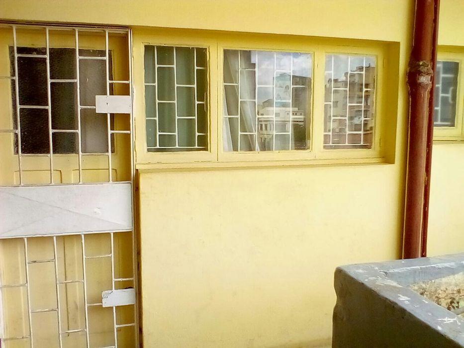 Vende-se Apartamento T2 no 2°andar no Bairro do Alto Maé