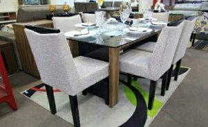 Mesa de jantar de 6LUGARES com o Tapete