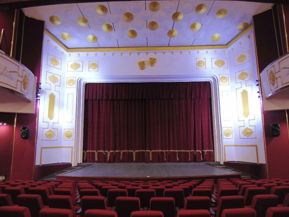 Scaune rabatabile pentru sali de spectacol, teatru si cinematograf