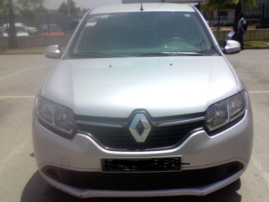 Renault logan - quase novo - Confira as revisões feitas