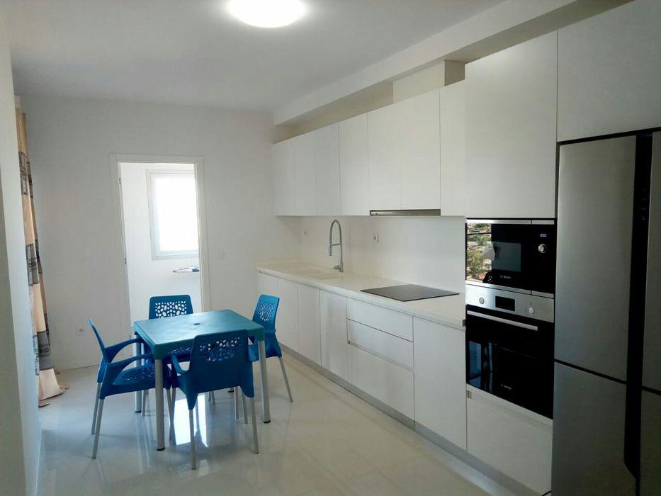 Arrenda-se apartamento t3 com móveis no Golf Residence