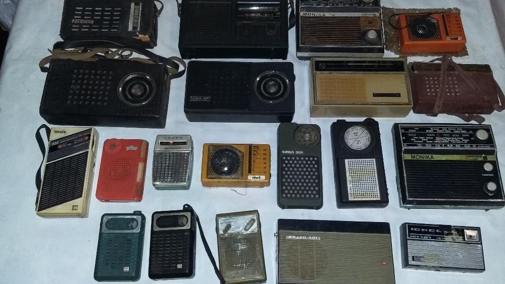 Продавам колекция радиоприемници