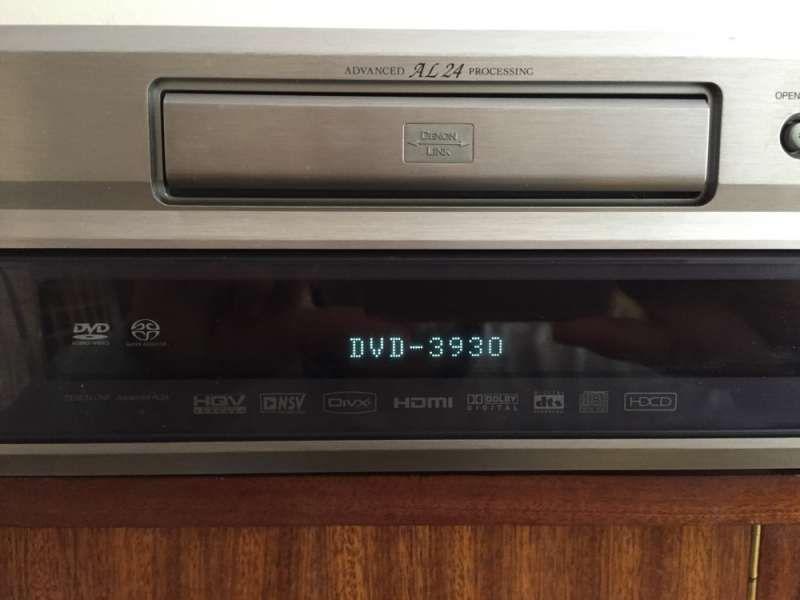 DENON DVD-3930 с оригинално дистанционно и мануал .