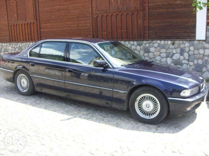 На части BMW 750 i