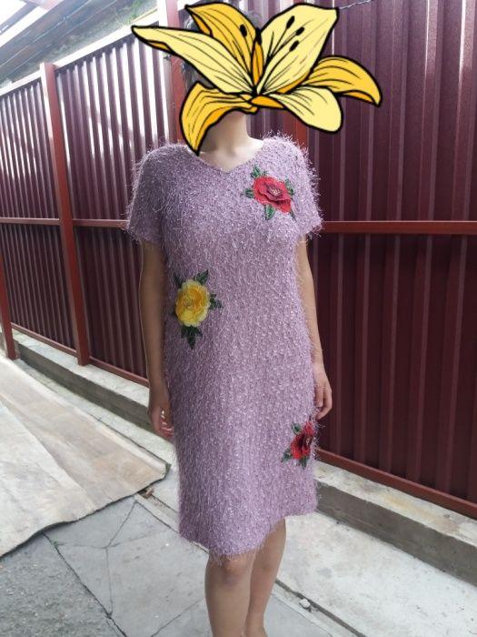 Женское платье размер на 46/48, цена 10000 тенге.