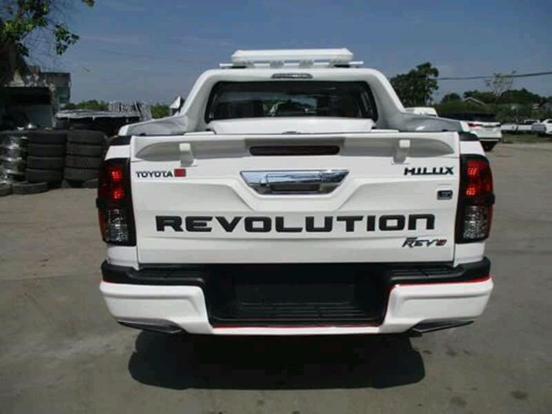 Toyota Hilux Revulution REV8 A venda