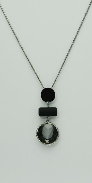 Colier gri metalizat, pandantiv cu cristal negru si strasuri albe 5203