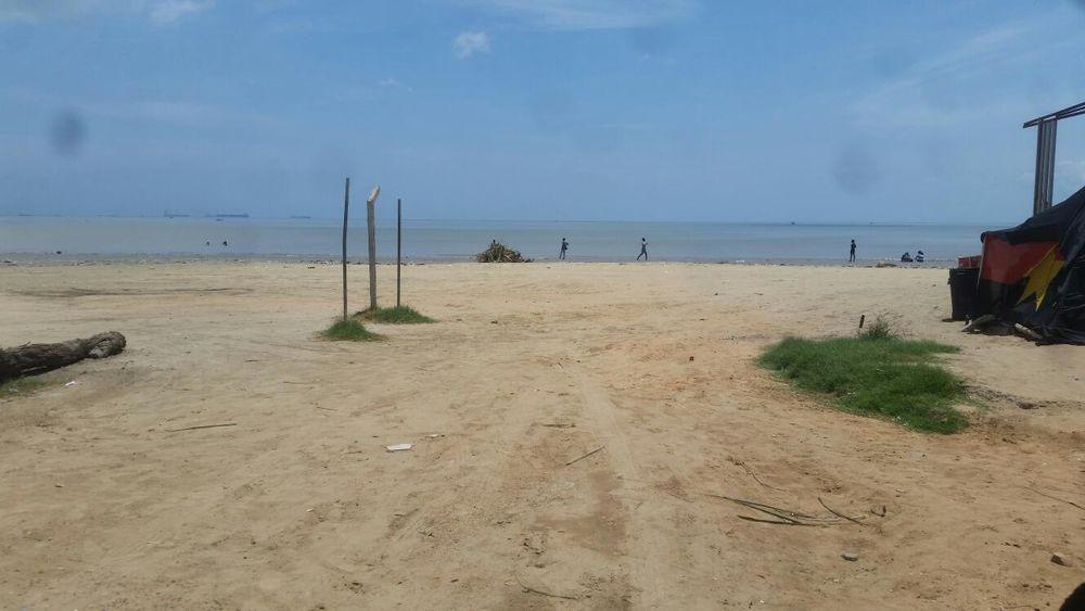 Terreno a beira mar na vila de Cacuaco