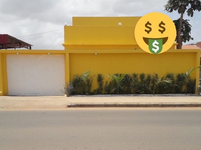 Vende-se esta vivenda t3 suítes nova no Benfica