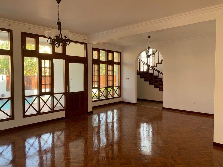 Na Sommerchield II, Moradia T4 (2 suites), 2 WCs, Piscina, Jardim, C Sommerschield - imagem 2
