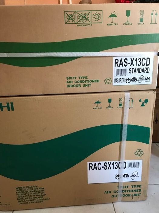 AC Split Hitachi 13 BTU na caixa