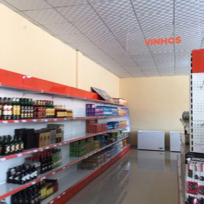 Vendo área comercial 8 lojas