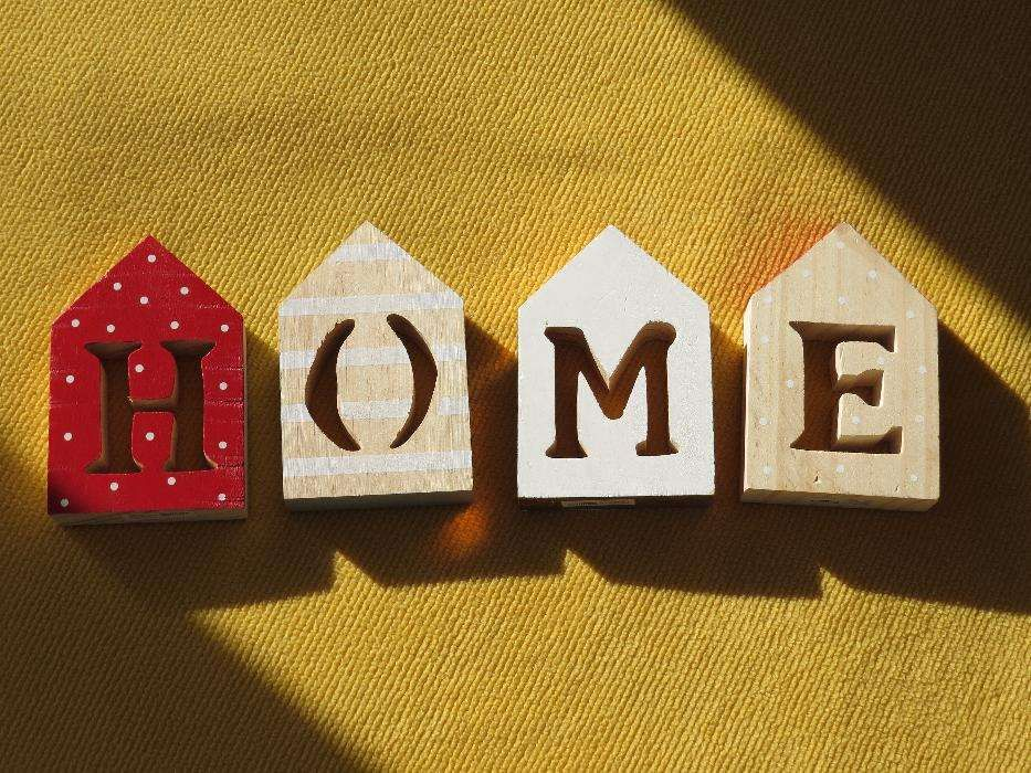 Litere din lemn - HOME - produs nou