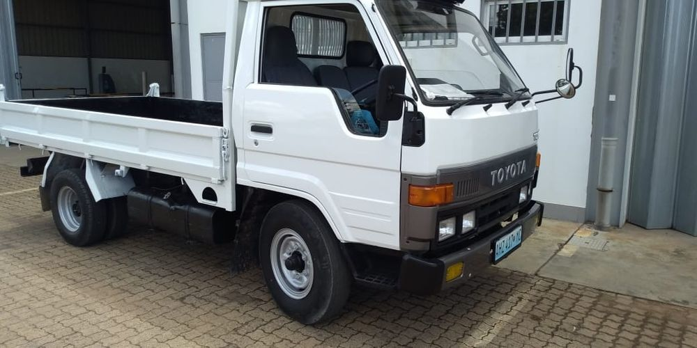 Toyota Toyoace Recem importado 2 toneladas Alto-Maé - imagem 1