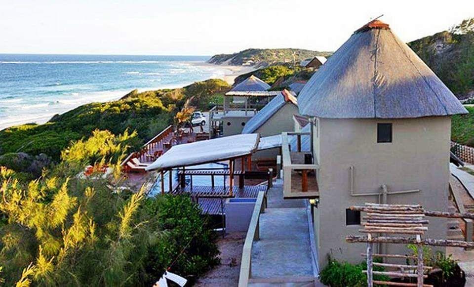 Beach Hotel ZAVORA Luxuosissimo em Vilankulos frente a Praia
