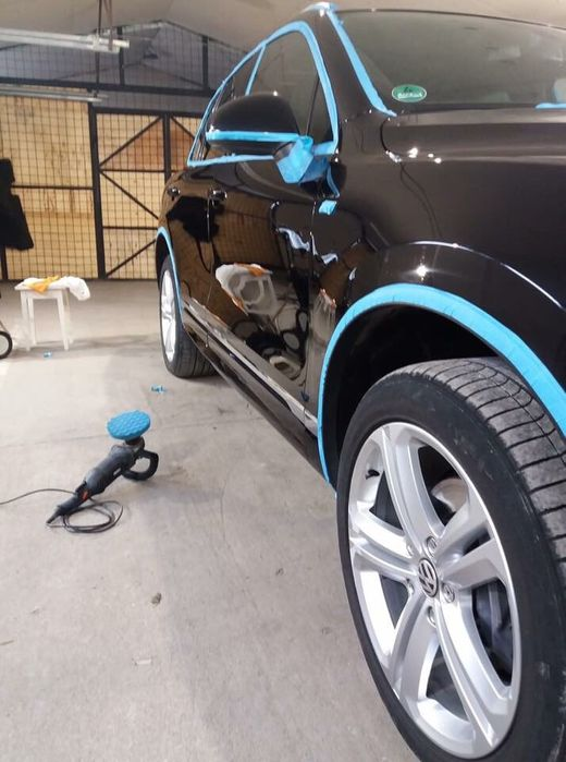 Executam tapițeri auto profesionale ,polish auto și faruri