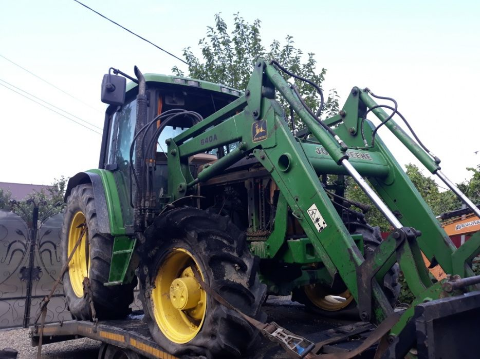 Dezmembrez Tractor Jhonn Deere 6400