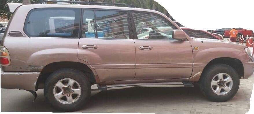 Carro Toyota Land Cruiser GX.R