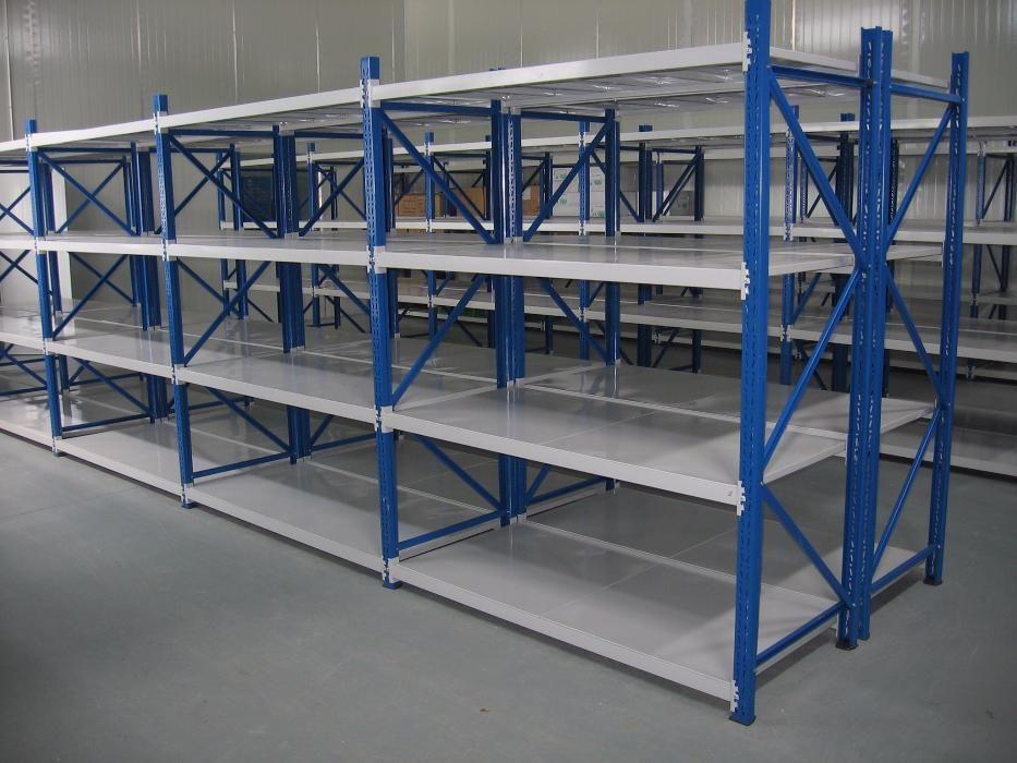 Среднегрузовые металлические стеллажи