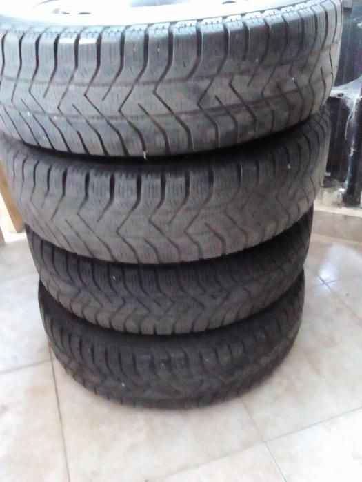 4бр. зимни гуми с джанти за Поло