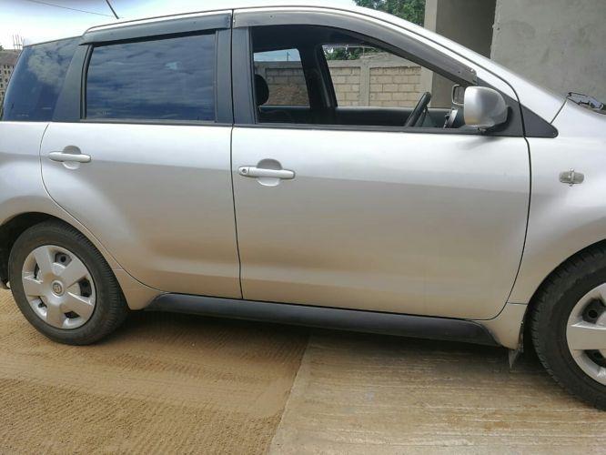 Toyota IST a venda