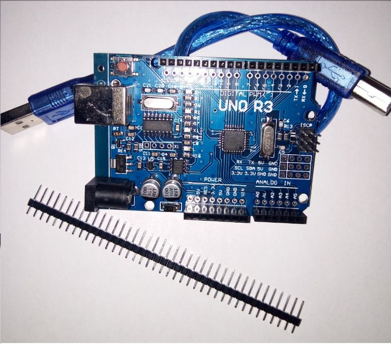 Placa de dezvoltare compatibila cu Arduino UNO R3 + Carcasa