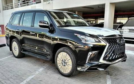 Lexus nova em promoção