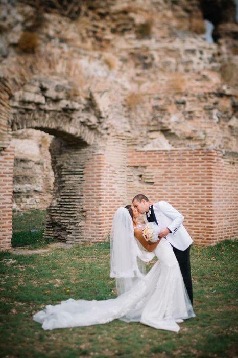 Сватбена рокля на Julia Kontogruni