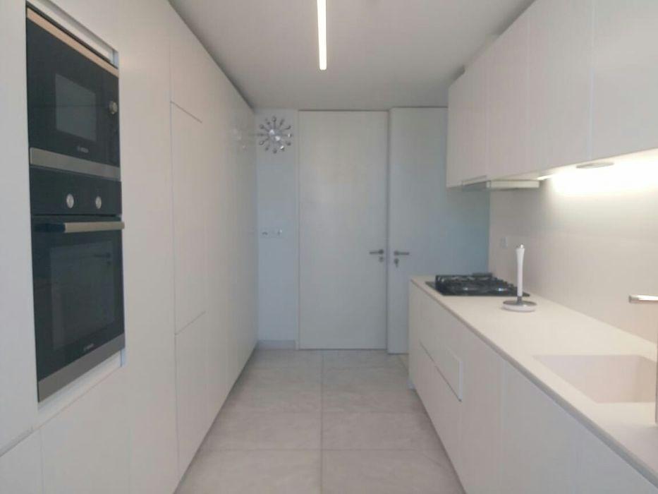 Arrenda-se apartamento tipo3 Mobilado no Platinun polana