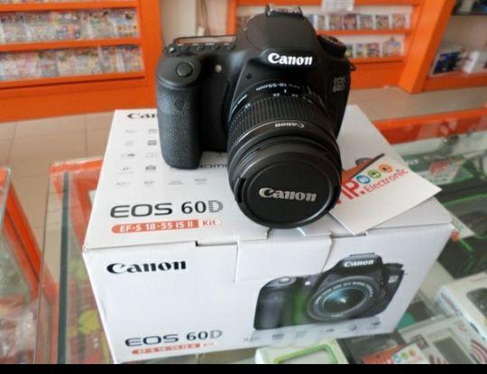 Máquina fotográfica disponível