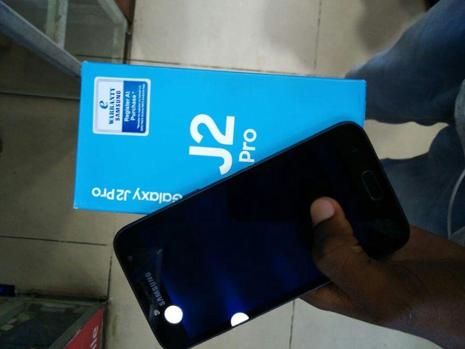 Samsung J2 Pro com caixa