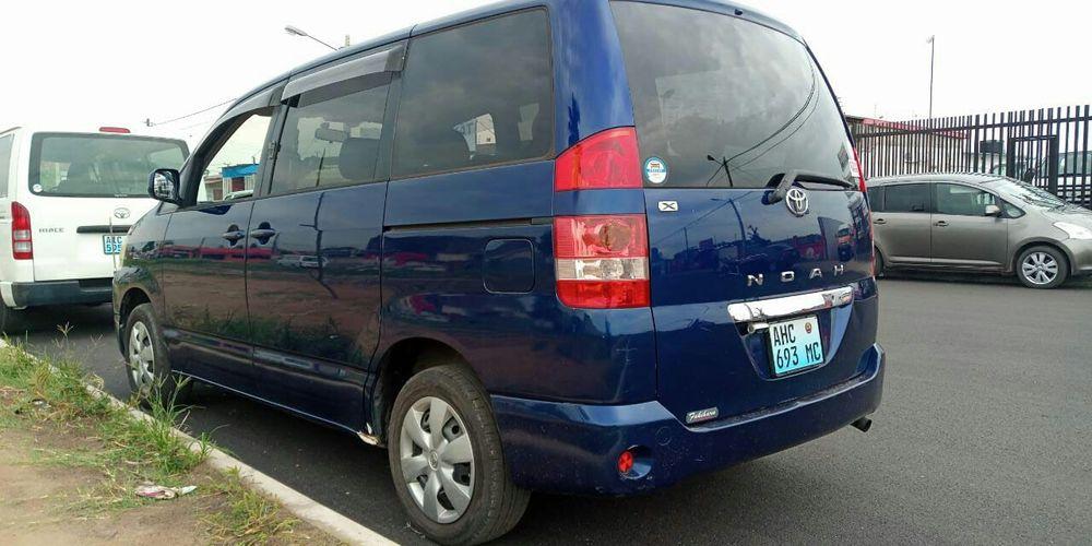 Toyota noah Bairro Central - imagem 4