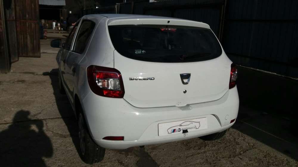 Dacia sandero 2016 1,2 16 V 15.000 km dezmembrez piese dezmembrari