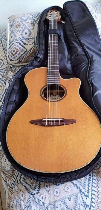 Guitarra disponível