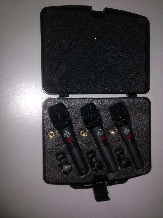 Conjunto de três microfones Wharfedale novinhos em folha