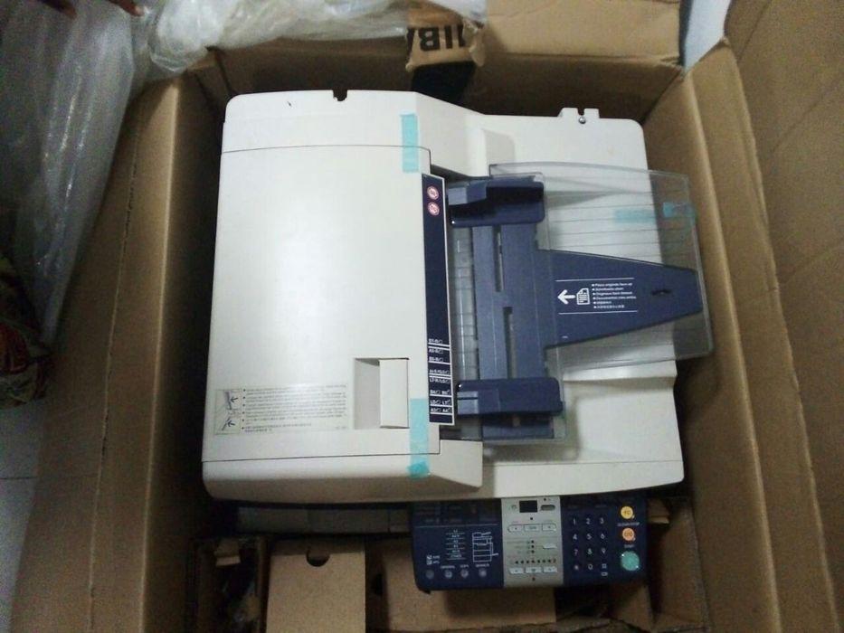Vende-se Fotocopiadora THOSIBA Kz 1.150.000 Nova