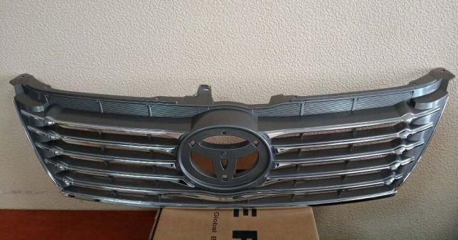 Решетка радиатора Тойота Камри 50 '11-/ Toyota Camry 50 '11