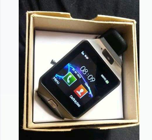 Smartwatch v8 -Android- suport SIM e cartao de Memoria