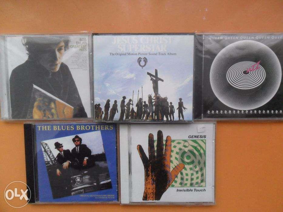 CD-uri cu muzica compact disc