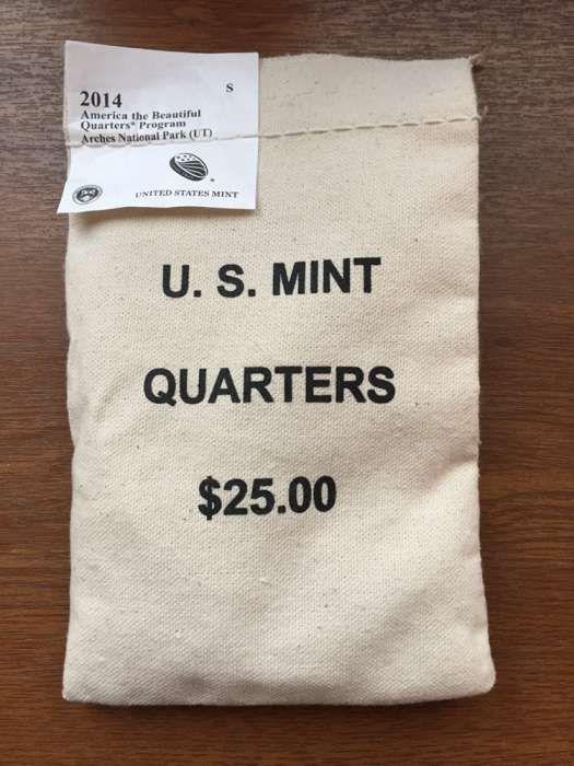 100 монет по 25 центов США, коллекционные, в упаковке