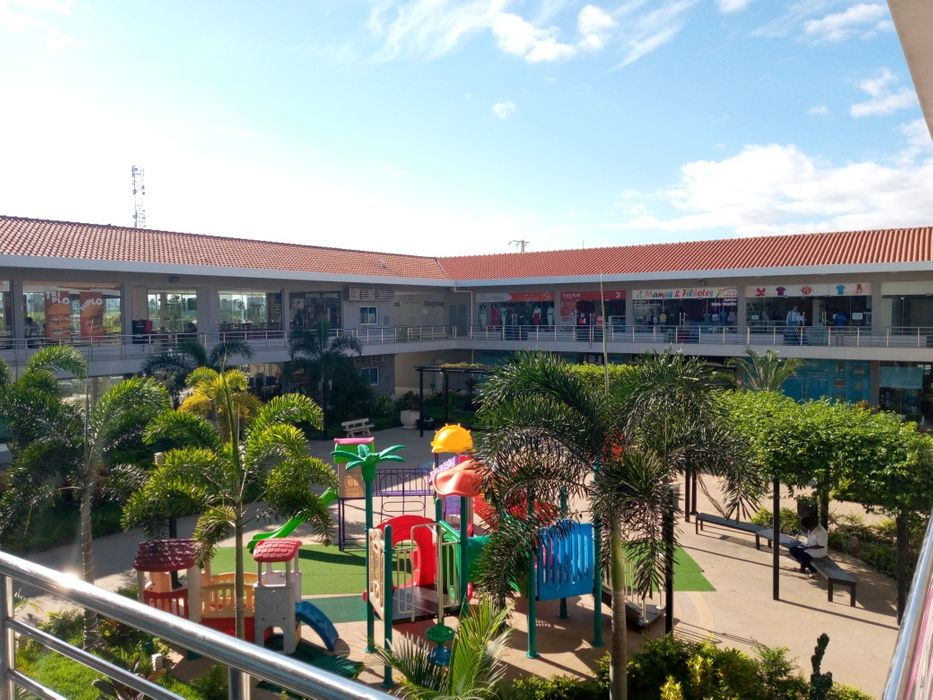 Arrendamos Lojas Com 70 m² Tuafeni Shopping Kilamba