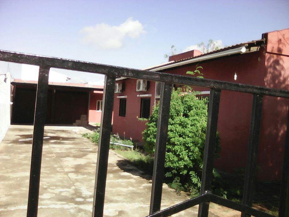Arenda-se esta casa tipo3 no condominio malhapleme vila Cidade de Matola - imagem 1