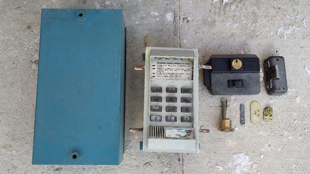 Interfon pentru scara bloc cu cifru si/sau cheie. BONUS yala acces