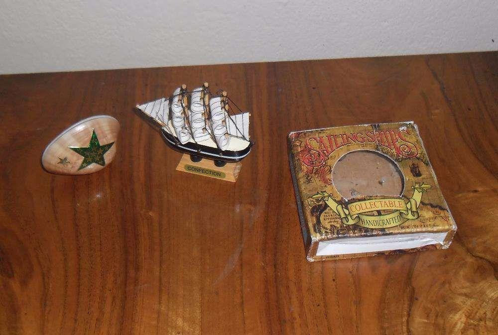 Vând lot machetă corabie, scoică decorativă