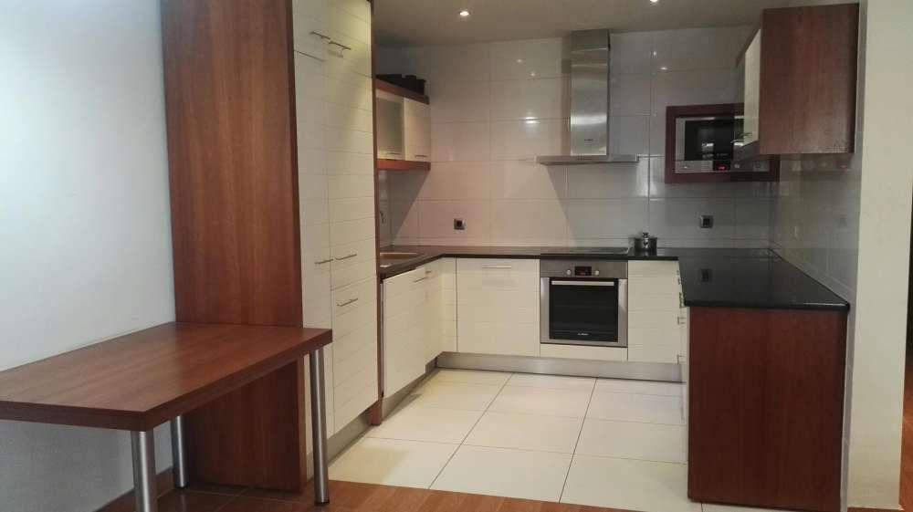 Vende-se luxuoso apartamento na polana