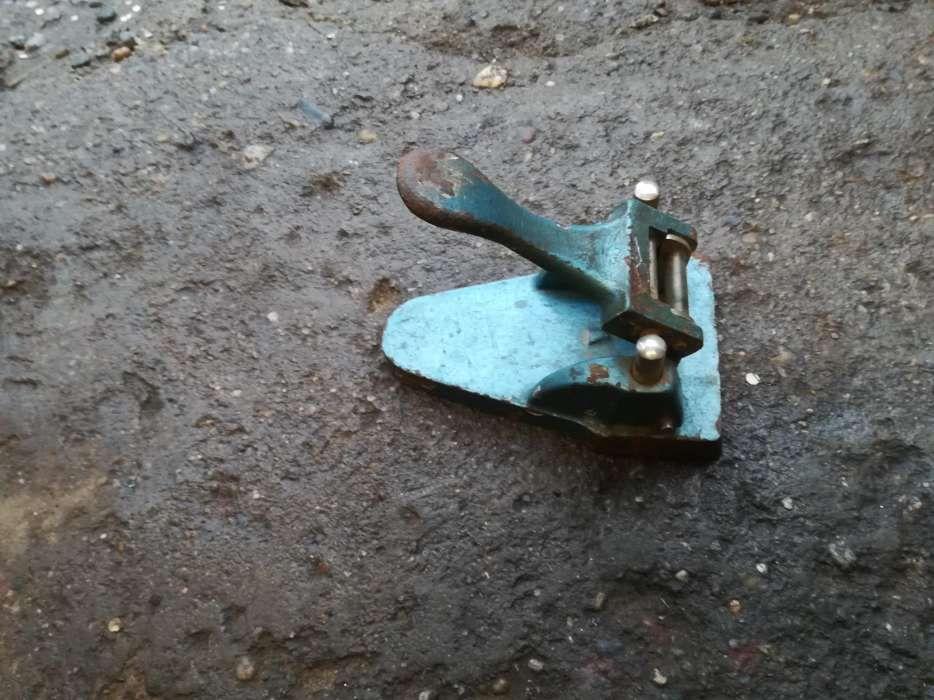 Perforator capsator vechi perioada comunista