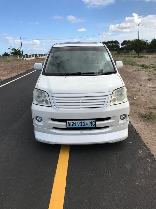 Toyota Noah Full body kit