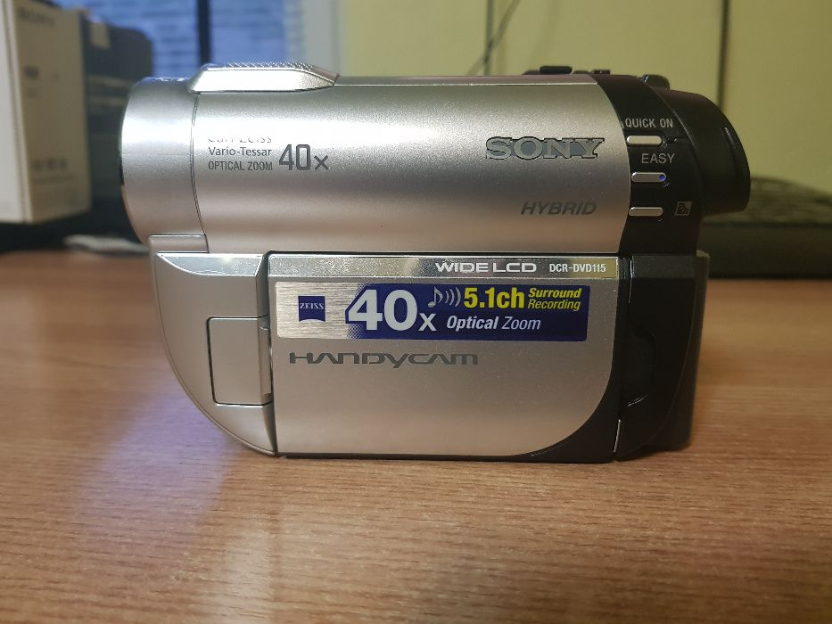 Camer video Sony DCR-DVD115E