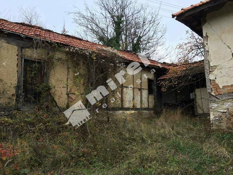 Продава къща с. Войнежа - image 4