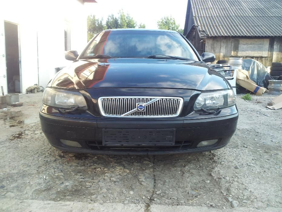 Piese Second VOLVO V70 2.4d AWD (4x4) Model 2000-2007